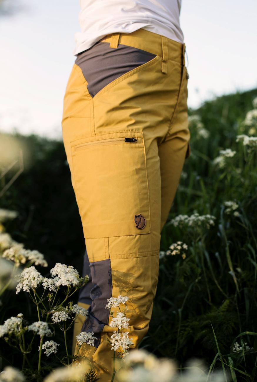 Bilde av Fjällräven  Kaipak Trousers Curved W 160-046 Ochre