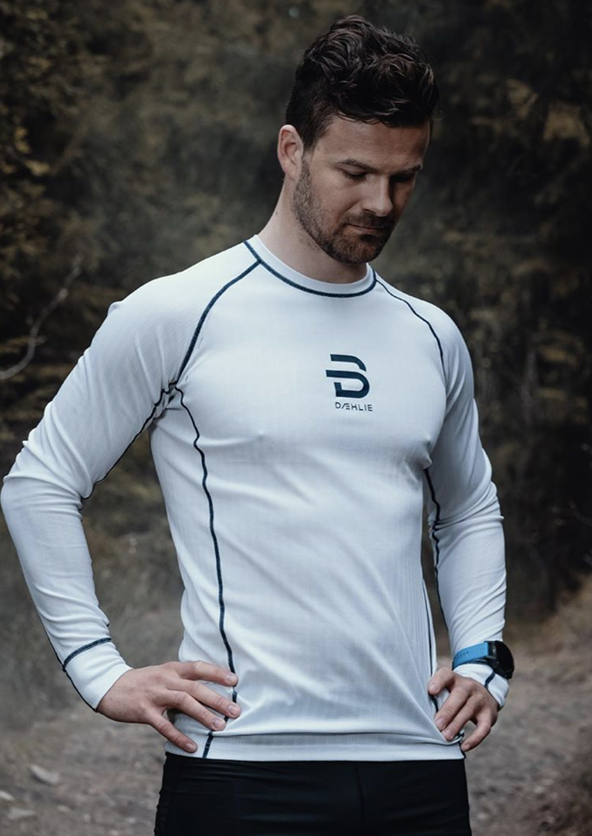 Bilde av Dæhlie  Endurance Tech Long sleeve 10000 Snow White