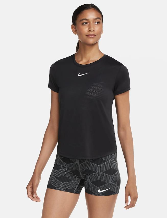 Bilde av Nike W ss runway CU3224-010