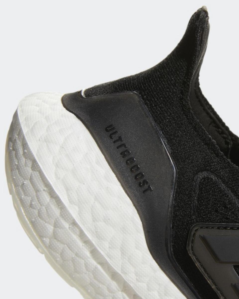 Bilde av Adidas  Ultraboost 21 W FY0402