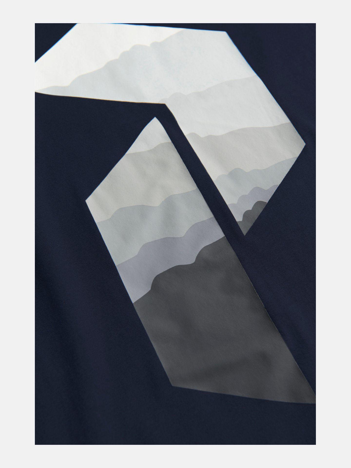 Bilde av Peak Performance  M Explore Big P Tee 020 Blue Shadow
