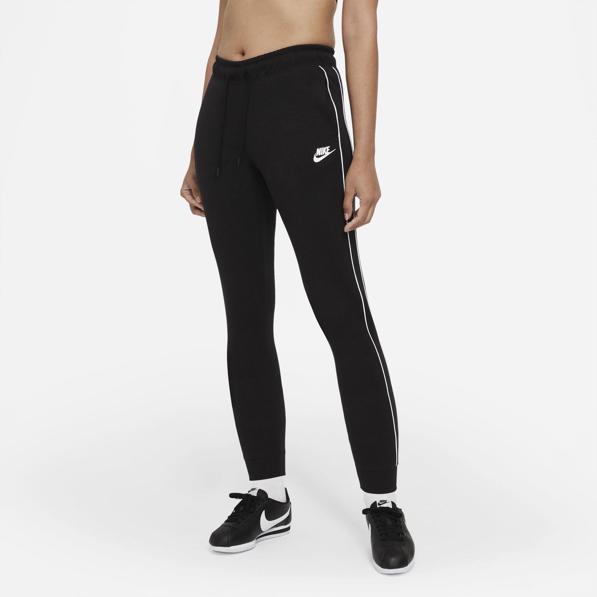 Bilde av Nike  W NSW MLNM ESSNTL FLC MR JGGR CZ8340-010