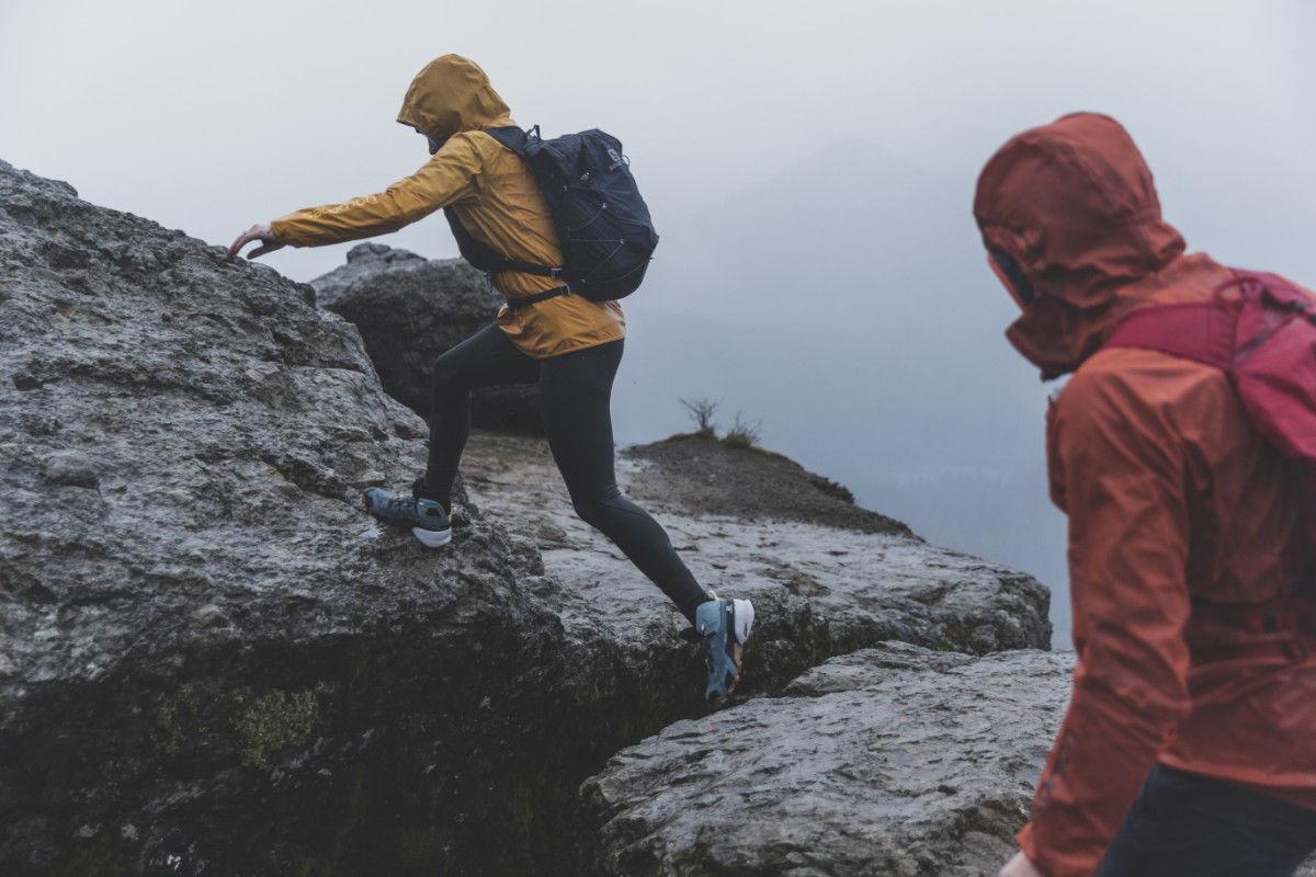 Bilde av Salomon  Cross Hike Mid Gtx W 242 Lead/Stormy Weather