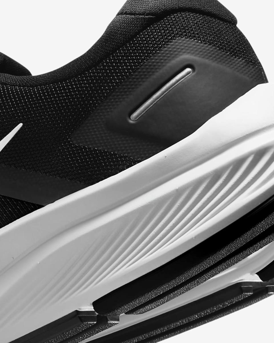 Bilde av wmns Nike Air Zoom Structure 23 cz6721-001