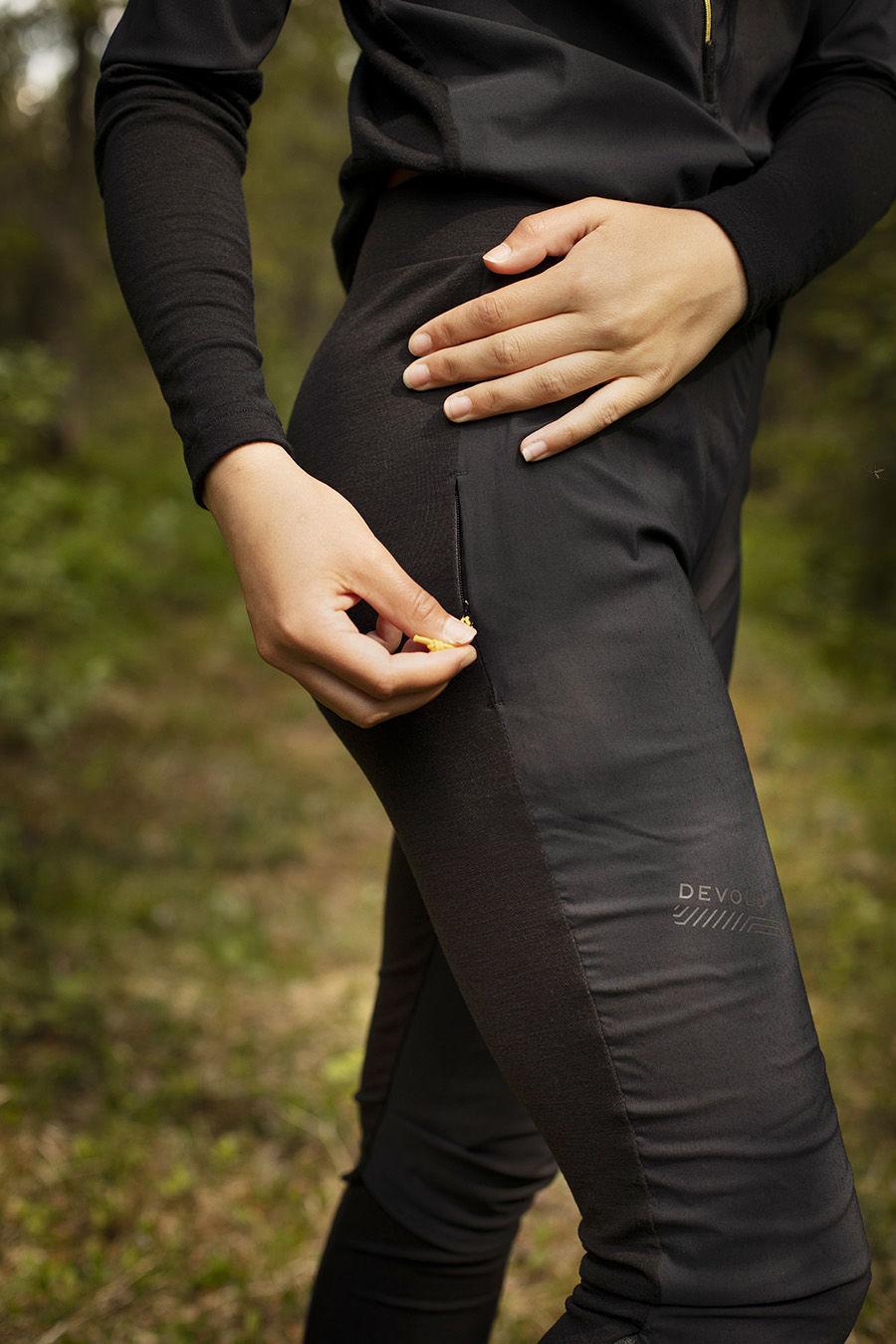 Bilde av Devold  Running Cover Woman Pants 960A Caviar