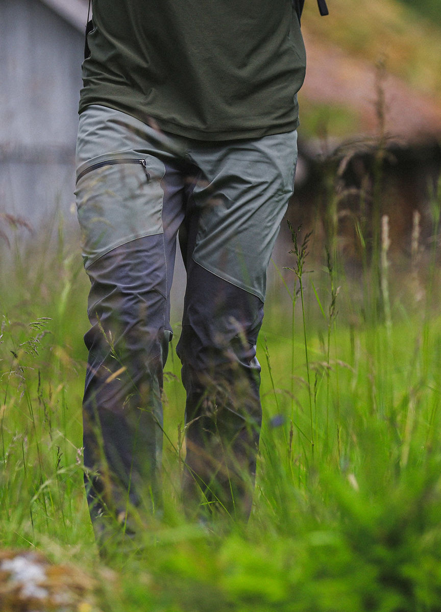 Bilde av Haglöfs  Lite Flex Pant Men 43J Lite Beluga/Magnetite
