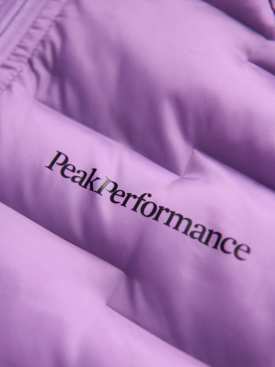 Bilde av Peak Performance  W Argon Light Hood Jacket 050 Action Lilac