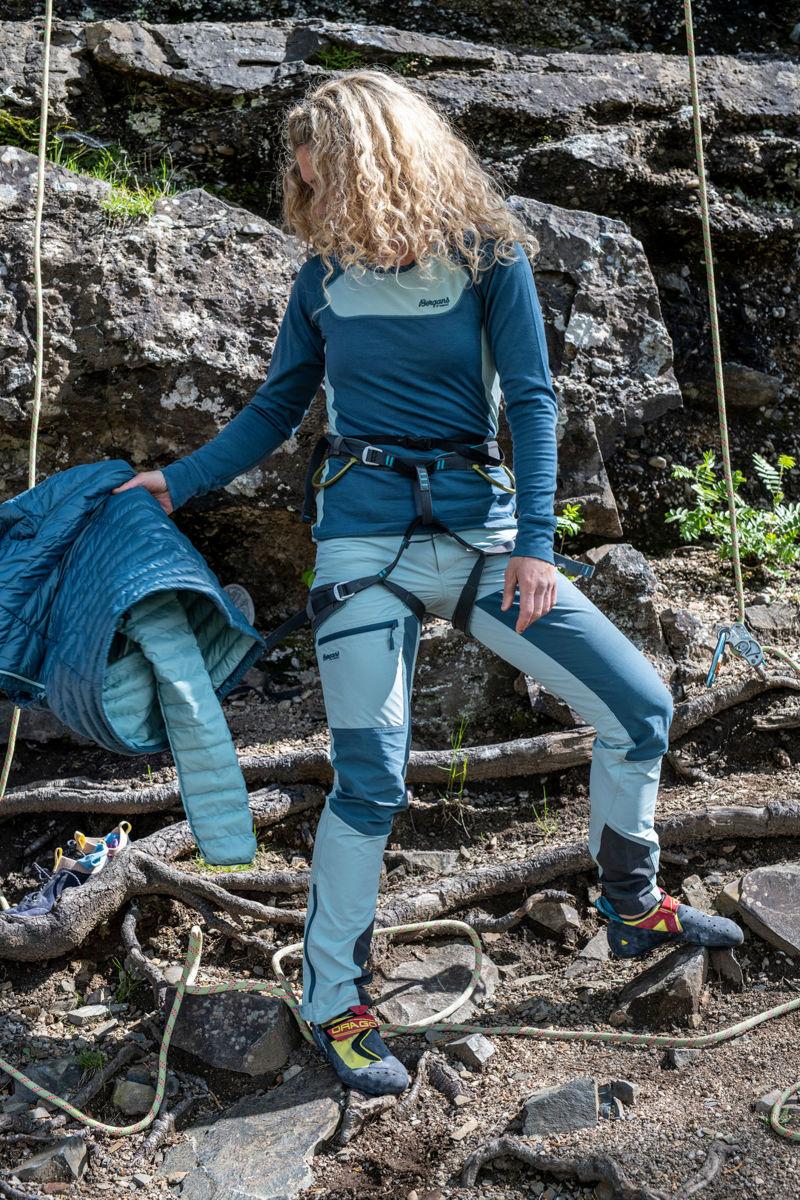 Bilde av Bergans  Cecilie Mtn Softshell Pants 21475 Misty Forest/Orion Blue