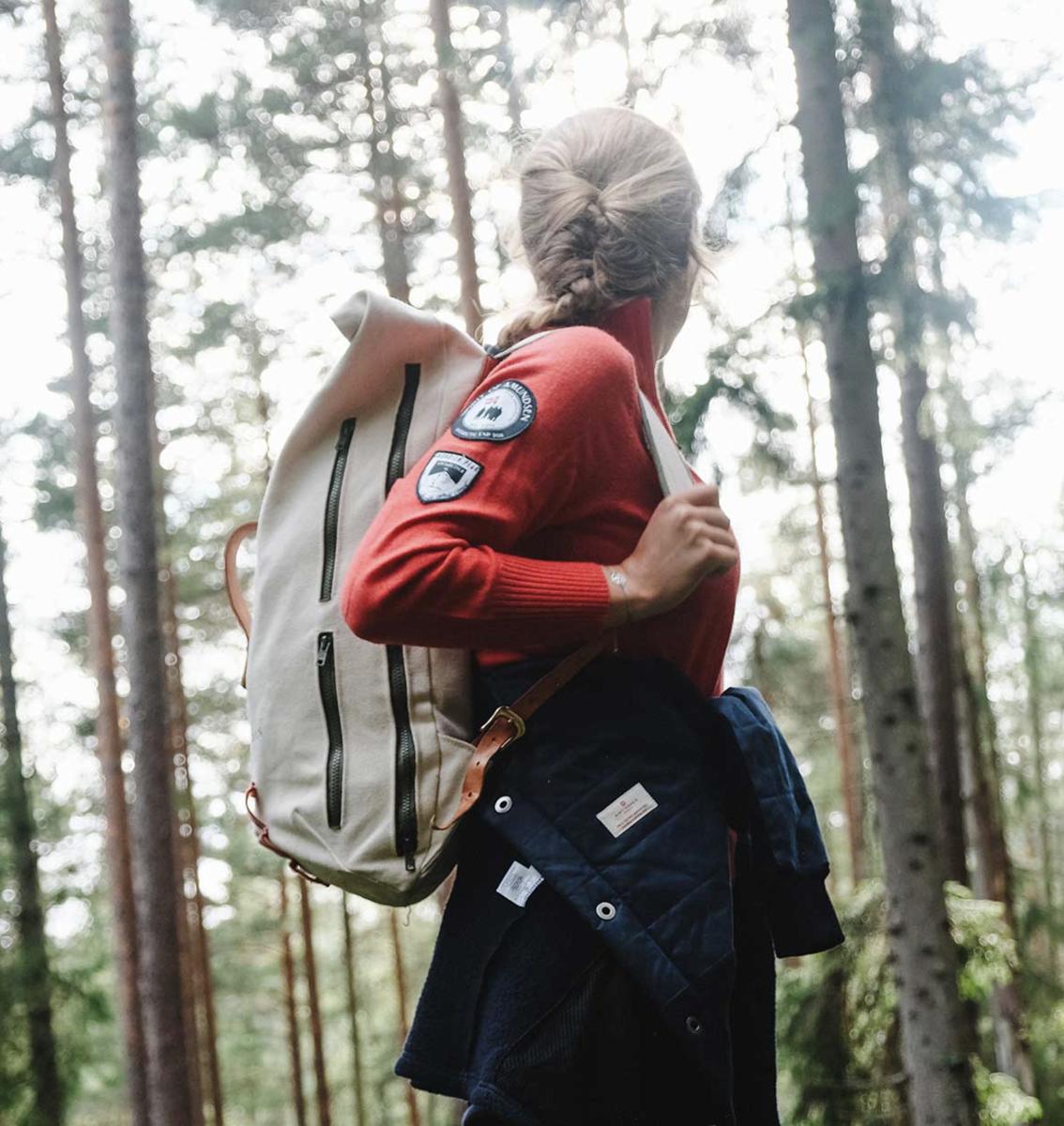 Bilde av AMUNDSEN Peak Half Zip Womens 155 Ruby Red