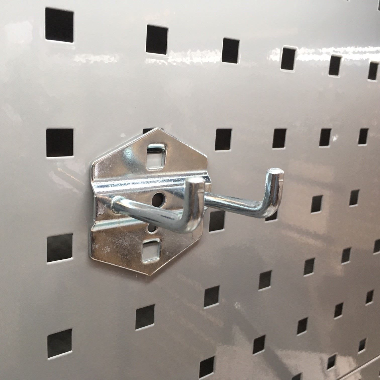 Dobbel krok oppheng hullplate verkstedinnredning nordic lift as